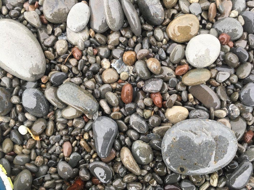 玉砂利ビーチ