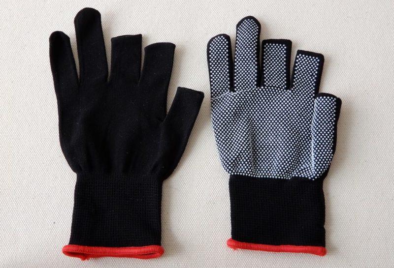 ダイソーの滑り止め付き3本指ぬき手袋